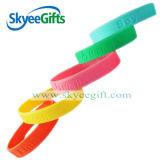 Braccialetto su ordinazione di modo del Wristband del silicone dei monili