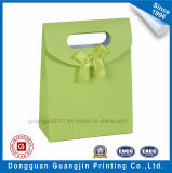 Kundenspezifischer neuer Entwurfs-Papier-Kraftpapier-Beutel für das Geschenk, das mit Magneten verpackt