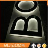 Logo attrayant de la lettre 3D de signe en acrylique