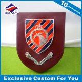 Kundenspezifische hölzerne Schild-Bronzen-Stich-Preis-Wand-Plakette