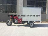 Triciclo com caixa de isolamento para entrega de alimentos