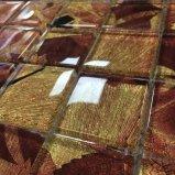 現代様式のカエデの葉の薄板にされたガラスのモザイク・タイル