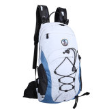Loisirs extérieurs se déplaçant augmentant le sac s'élevant de sac à dos de sports