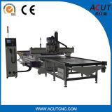 A auto carga e descarrega o router do CNC 1325, máquina altamente automatizada da solução do aninhamento com carregamento automático e o descarregamento do sistema