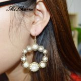 Orecchini di goccia del Rhinestone dei monili della perla fatti di lanciare in oro