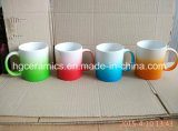 Caneca gradual da cor da mudança, caneca cerâmica da cor do pulverizador