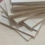 Madera contrachapada fenólica de la base del álamo para el embalaje de los muebles de la paleta (30X1220X2440m m)