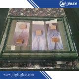 Specchio di periodo utilizzato per la camera da letto