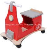 """Triciclo de madeira do """"trotinette"""" de Suppley da fábrica"""