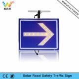 Cubierta de aluminio LED parpadeante Flecha Luz solar de la señal de peligro