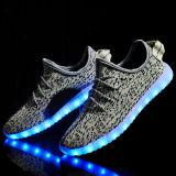 2016 Nuevo estilo colorido Operando Variable luz LED de colores de hasta zapatos