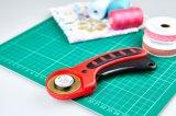 テーラー上ファブリック手の回転式カッターを縫う交換可能な45mmの刃