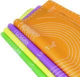 Couvre-tapis de four de silicones de Bakeware de garniture d'isolation de silicones