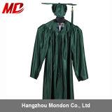 Vert de forêt brillant de robe de chapeau de la graduation des enfants