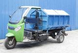 Tres carros rodados del saneamiento con cogen la función