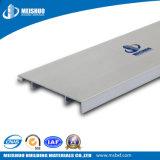 Wand, zum der flexiblen materiellen weißen Aluminiumsockelleisten auszubreiten