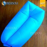 単一の口の膨脹可能なバナナの寝袋のたまり場のハンモックの膨脹可能な空気ソファー浜のベッド