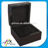Персонализированный деревянный витринный шкаф вахты наблюдает коробку подарка