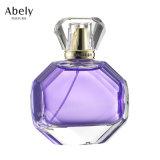 Bouteilles de parfum en verre de créateur avec le parfum initial