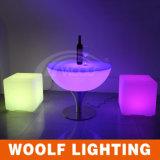 電池&16 RGBの薄い色のLEDの立方体の椅子