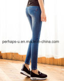 Qualitäts-Weibchen kleidet Loch-Jeans-dünne Bleistift-Hosen