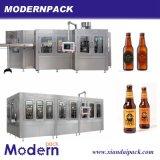 Автоматическая разлитая по бутылкам машина запитка пива, заполнять и покрывать