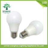 Plastic Housingの高品質30000h 85-265V 5W A55 LED Aluminum Bulb
