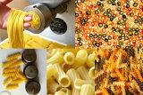 Еда макарон макаронных изделия делая делать машину