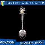 Cucchiaio personalizzato del metallo del ricordo con il marchio su ordinazione per l'accumulazione