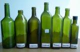 botella de cristal verde oscuro del aceite de oliva 1L con el casquillo del canalón y la funda del encogimiento