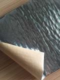 良質の岩綿毛布のほんの少しのアルミホイル