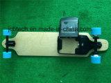 E-Planche à roulettes de quatre roues avec la batterie amovible