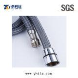 Mangueira flexível trançada do fio de nylon cinzento para a conexão do toalete (L1004-B)
