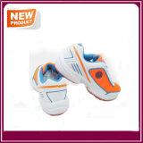Sapatas atléticas respiráveis das sapatilhas ocasionais novas da forma