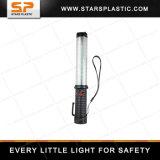 笛が付いている再充電可能なトラフィックのバトンの細い棒