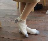 L'alta qualità popolare per il vestito dal giovane scherza il calzino