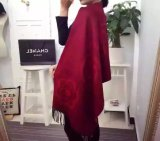 Bufanda de las lanas del color sólido