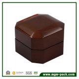 Коробка ювелирных изделий высокого лоснистого восьмиугольника деревянная