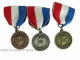 Kundenspezifisches weiches Emaille-Marathon-Ereignis-Seitentriebs-Rennen spricht Metallmedaille zu