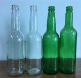 緑のオレンジジュースのガラスビン