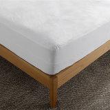 ホテル80%の綿20%Polyesterの綿のテリー布の防水マットレスのベッドカバー