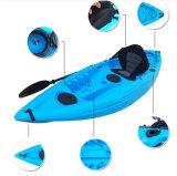 Один Kayak каня Paddler для сплавлять