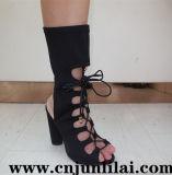 Chaussures de femmes avec le modèle de lacet de mode