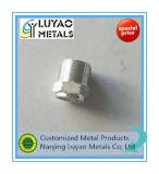 Parte fazendo à máquina de alumínio com a linha para a maquinaria