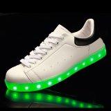 Recentste Volwassen Schoeisel die de Batterij van het Polymeer van de Schoenen van de Vrije tijd van Tennisschoenen flakkeren