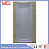 Porta exterior de PVC com janela de abertura