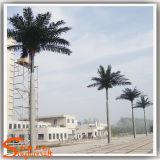 Ajardinando a árvore de coco artificial da árvore grande para a decoração