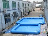 Piscine bleue gonflable carrée, grande piscine gonflable