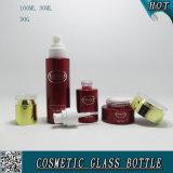 Cor vermelha que pulveriza frascos de vidro cosméticos e frascos de vidro cosméticos com as tampas acrílicas