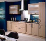 Armário personalizado dos gabinetes de cozinha do PVC Vacumn para o projeto do hotel